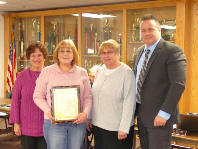 The High Bridge Women's Group Names: Carol Loozen, Chris Marx ( president) , Donna Connell, Mayor Desire